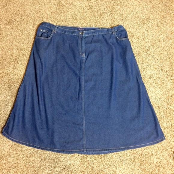 a6e40c2c5b1 Roaman s Plus Size 30W Denim A-Line Skirt. M 5b6695d342aa76a6d4f8a7b1